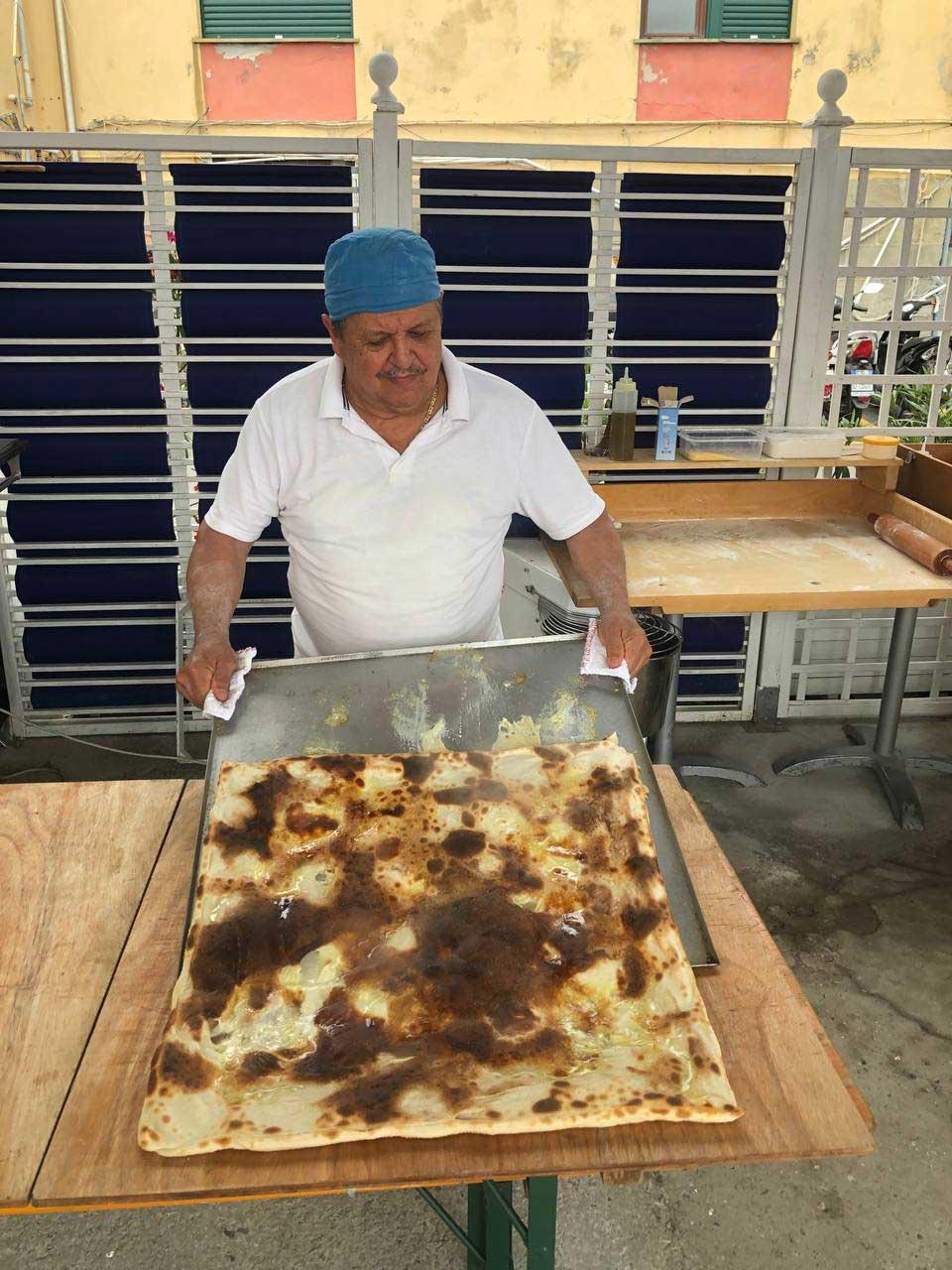 Happy Hour focaccia al formaggio Bagni Sirena