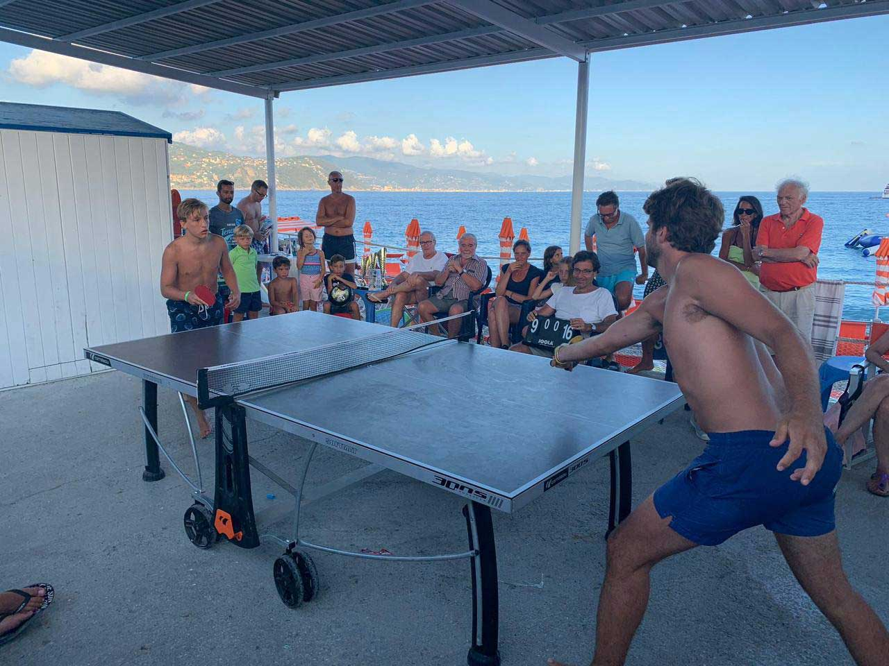 Torneo di Ping Pong a coppie