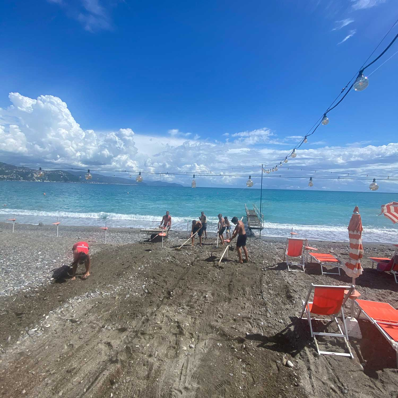 Sistemazione spiaggia - Bagni Sirena 2020